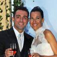 La star du Barça Xavi Hernandez et Nuria Cunillera lors de leur mariage à Blanes, le 13 juillet 2013.