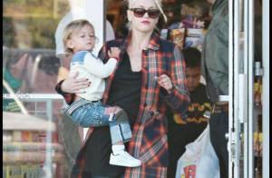 REPORTAGE PHOTOS : Gwen Stefani avec son adorable fils et son mari... shopping joujoux !