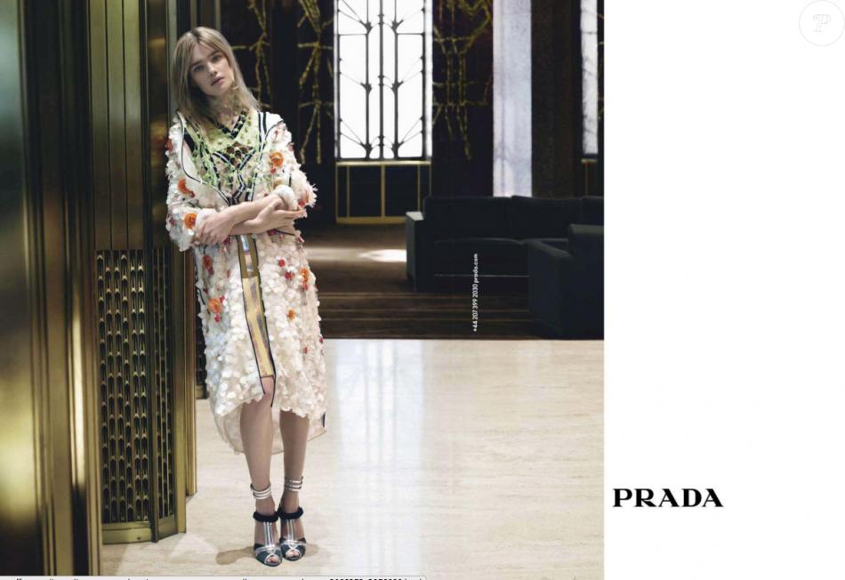 Natalia Vodianova   Beauté intemporelle en égérie Prada - Purepeople 6f8051e35aa