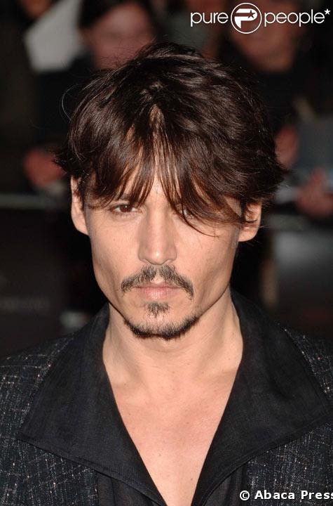 Johnny Depp: 1er au classement de Cosmopolitan UK de l'homme le plus sexy de l'annee 2008