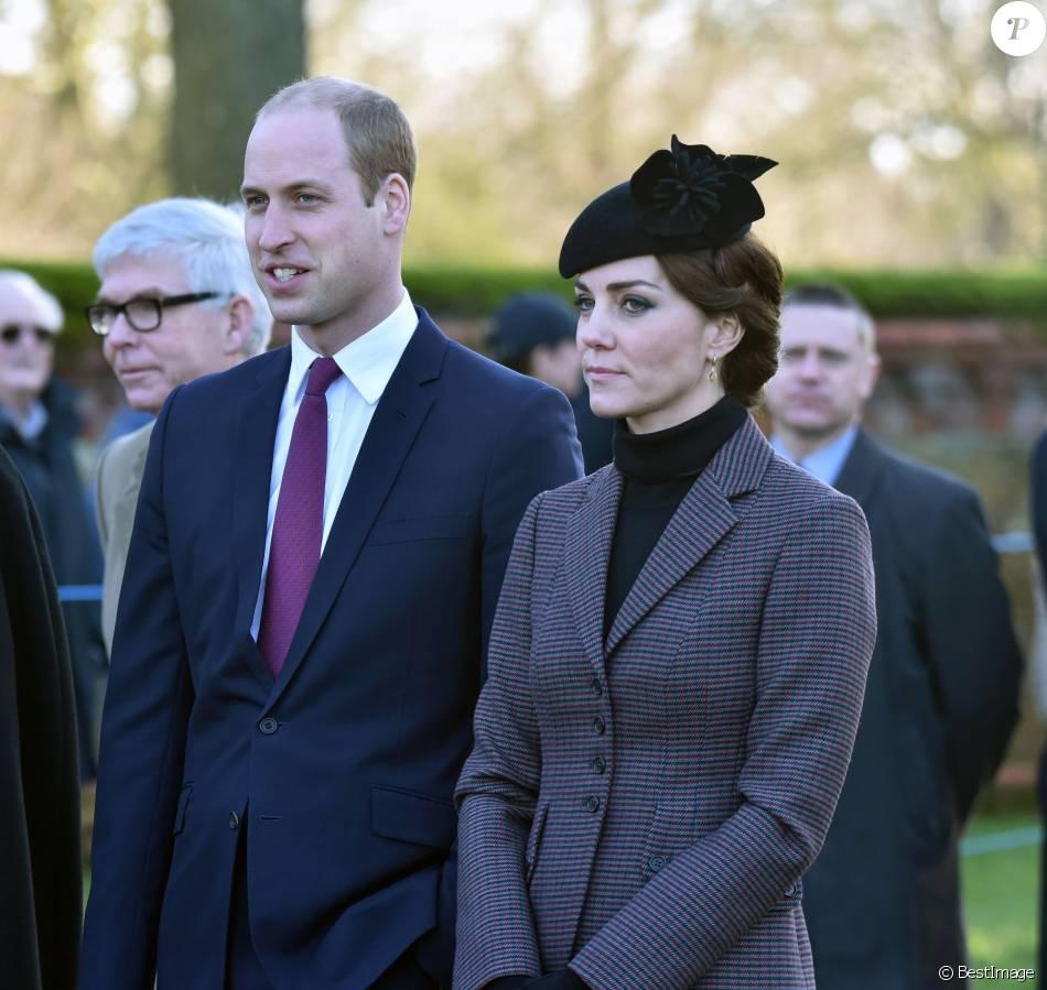 Kate Middleton et le prince William lors des célébrations du centenaire du retrait final de la péninsule de Gallipoli pendant la Première Guerre mondiale au Mémorial de Sandrigham le 10 janvier 2016.