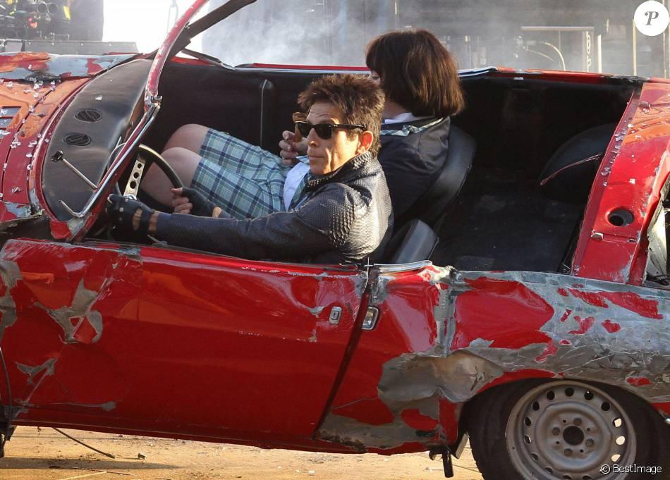 ben stiller et cyrus arnold tournent une sc ne d 39 accident de voiture pour le film zoolander 2. Black Bedroom Furniture Sets. Home Design Ideas