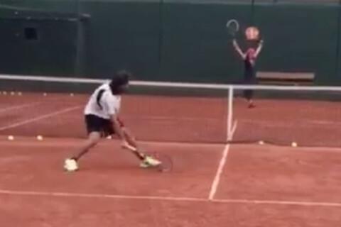 """Shakira, """"en feu"""" au tennis : Quand la star impressionne une ex-championne..."""
