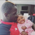 Mamadou Sakho et sa petite dernière Sienna - Photo publiée le 19 décembre 2015