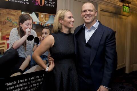 Zara Phillips : Glamour et in love auprès de son mari Mike Tindall, à l'honneur