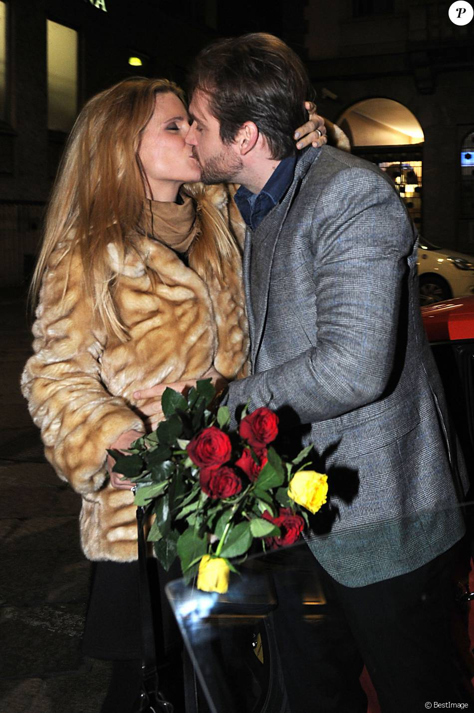 Michelle Hunziker et Tomaso Trussardi quittent le restaurant Trussardi à Milan où elle vient de fêter son 39e annviersaire en famille, le 23 janvier 2016.