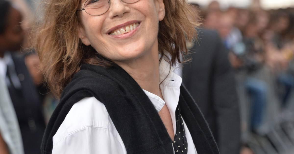 2ac9ebaeee5b Jane Birkin - Arrivée des people au défilé Saint Laurent Homme collection  Printemps-Eté 2016 au Carreau du Temple lors de la Fashion Week à Paris
