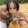 Twin Shadow a publié sur sa page Instagram une photo de lui et son amoureuse Zoë Kravitz, au mois de janvier 2016.