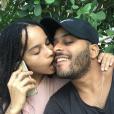 Twin Shadow a publié sur sa page Instagram une photo de lui et son amoureuse Zoë Kravitz, au mois de novembre 2015.