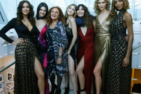 Kendall Jenner : Saint-Valentin stylée et animée avec Gigi Hadid et Irina Shayk