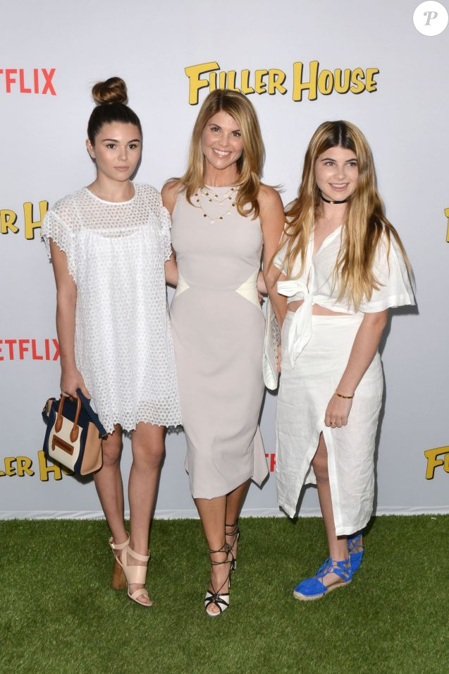 Lori Loughlin et ses filles - Soirée de lancement de Fuller House, le 16 février 2016 à Los Angeles.