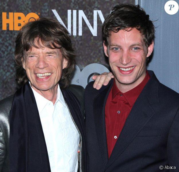 """Mick Jagger et son fils James à la première de la série """"Vinyl"""" au Ziegfeld Theatre à New York, le 15 janiver 2016."""