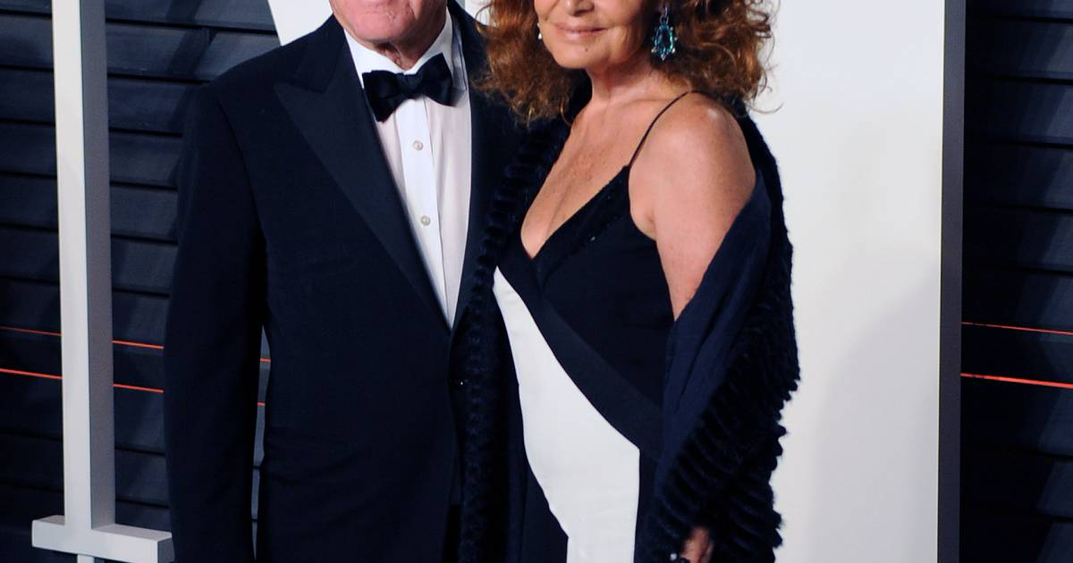 diller divorced singles Well, it's time with heads bowed and hearts, perhaps, heavy, longtime partners barry diller and john malone will appear in delaware chancery court today, where a judge will help the two moguls, who have been financially intertwined for the past twenty years, make up or break up.