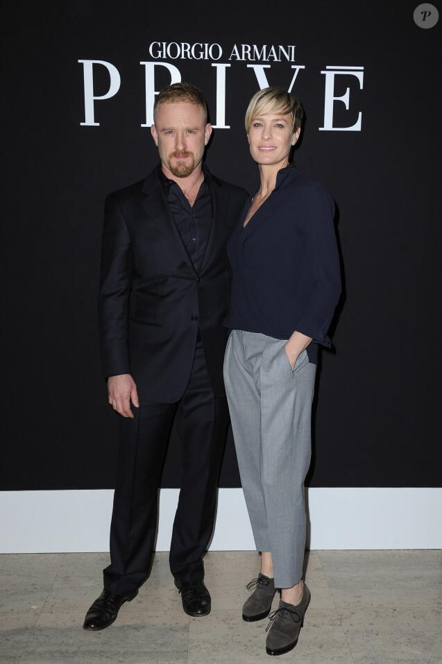 """Ben Foster et sa fiancée Robin Wright au défilé """"Giorgio Armani Privé"""" Haute Couture collection Printemps-Eté 2015 lors de la Fashion Week à Paris, le 27 janvier 2015."""