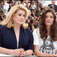 Catherine Deneuve et Chiara Mastroianni lors du photocall des Bien-aimés au festival de Cannes le 21 mai 2011