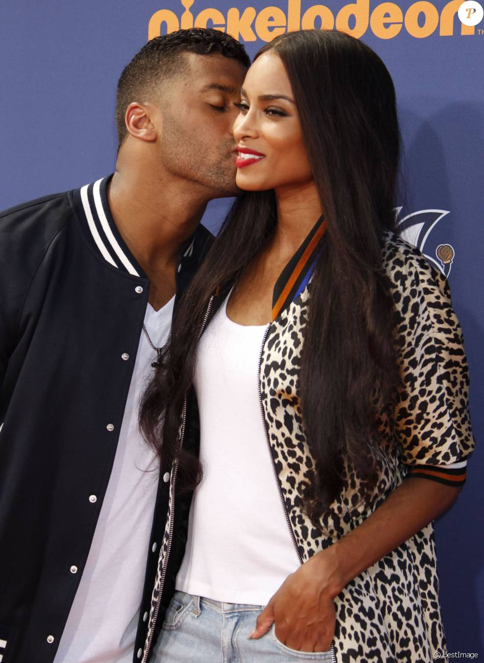 """Ciara et son compagnon Russell Wilson au """"Nickelodeon Kid's Choice Sports Awards"""" à Westwood le 16 juillet 2015"""