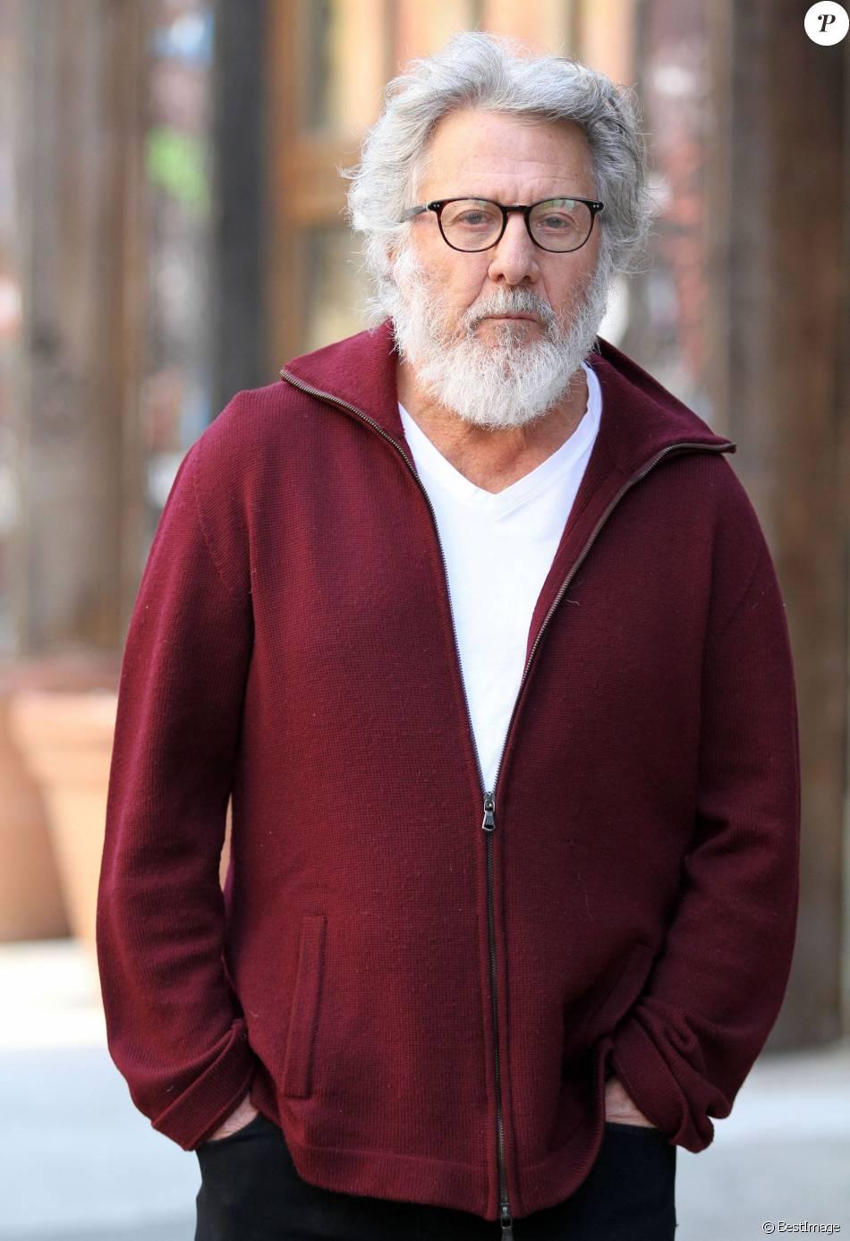 Dustin Hoffman, méconnaissable, sur le tournage de 'The Meyerowitz Stories' à New York, le 8 mars 2016