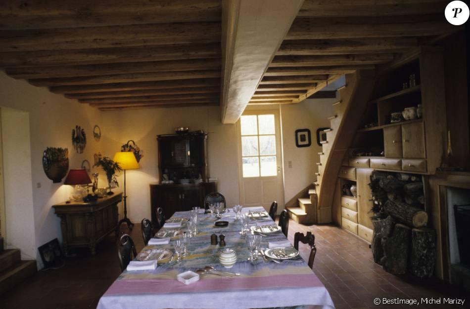 La salle manger de jean pierre coffe dans sa maison for Entretien jardin eure et loir