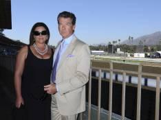 REPORTAGE PHOTOS : Pierce Brosnan sort sa femme... et son décolleté !