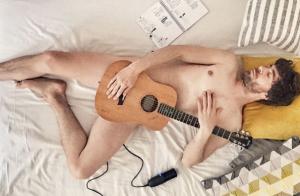 Clem saison 6 - Augustin Galiana : Le beau Adrian pose nu sur Instagram !