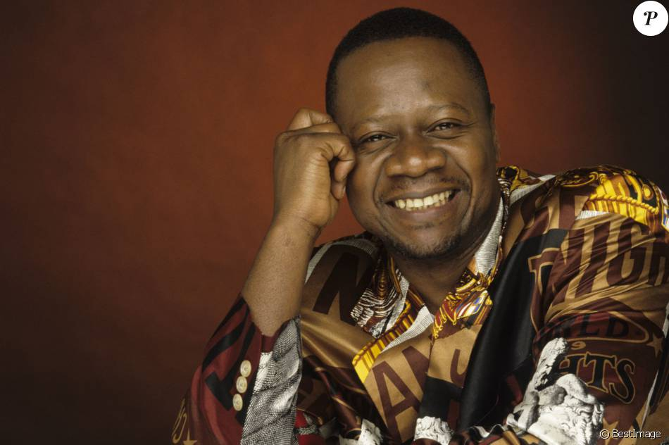 Archives - En France, à Paris, portrait studio de Papa Wemba le 27 avril 1995