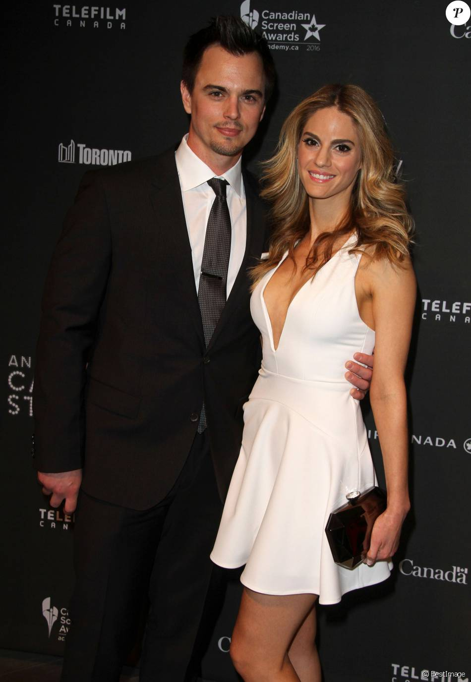 kelly kruger and darin brooks dating a cocktail