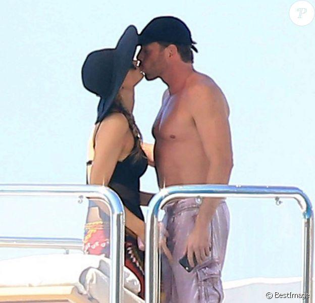 Paris Hilton en vacances à Formentera avec son boyfriend Thomas Gross le 9 juin 2015.