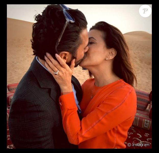 Eva Longoria, la bague au doigt, et son fiancé José à Dubaï, le 13 décembre 2015