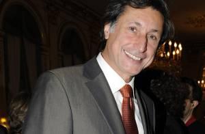 REPORTAGE PHOTOS : Patrick de Carolis, tout sourire, lors de la décoration d'Arlette Chabot et Jean-Michel Aphatie !