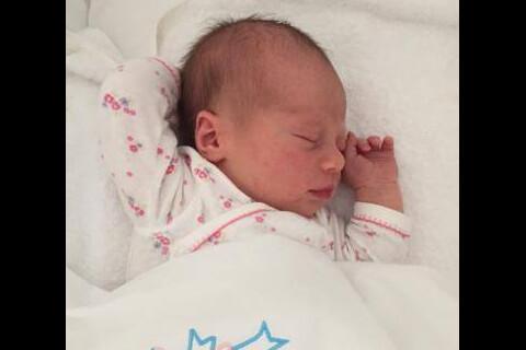 Gloria et Carlos de Bourbon-Parme : Deux bébés adorablement endormis...