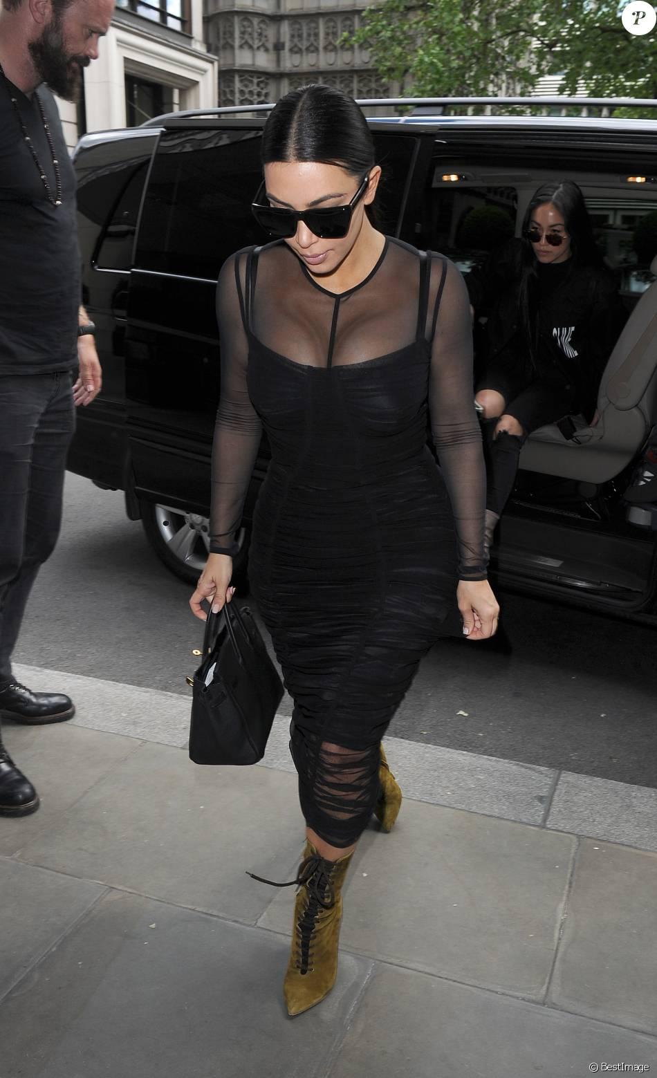 Kim Kardashian et sa soeur Kendall Jenner déjeunent ensemble à Londres le 23 mai 2016