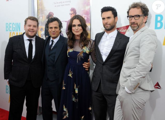 James Corden, Keira Knightley, Mark Ruffalo, Adam Levine et John Carney lors de l'avant-première du film New York Melody à New York le 25 juin 2014