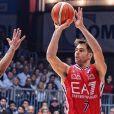 D'après la presse italienne, Bruno Cerella,  basketteur de l'Olimpia Milan, serait le nouveau compagnon d'Emilie Nef Naf. C'est un beau gosse !