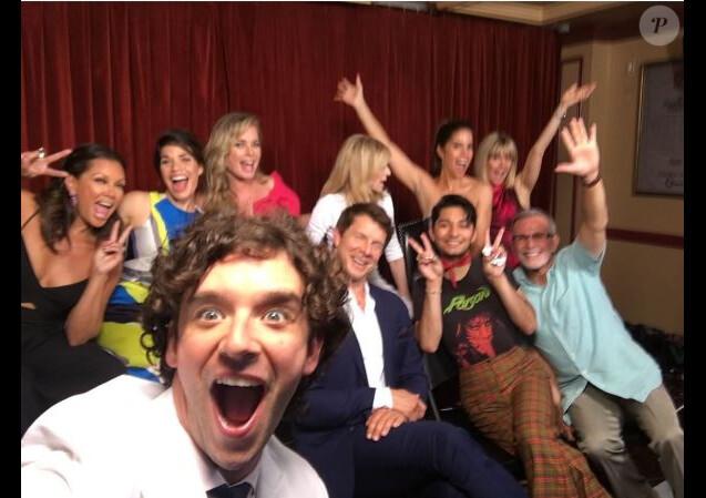 Michael Urie a partagé cette photo des retrouvailles des acteurs de Ugly Betty. Instagram, juin 2016