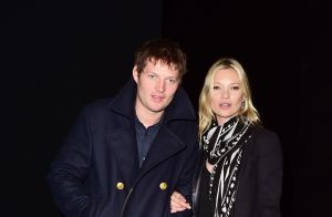 Kate Moss : Modeuse amoureuse à la Fashion Week de Londres