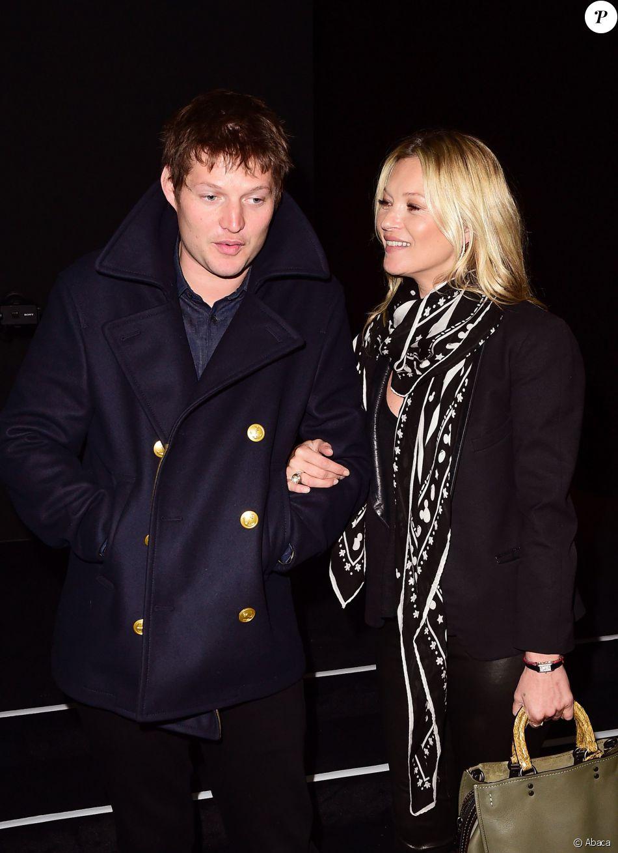 Nikolai von Bismarck et Kate Moss assistent au défilé Coach (collection homme  printemps-été 01bb1fd0d11