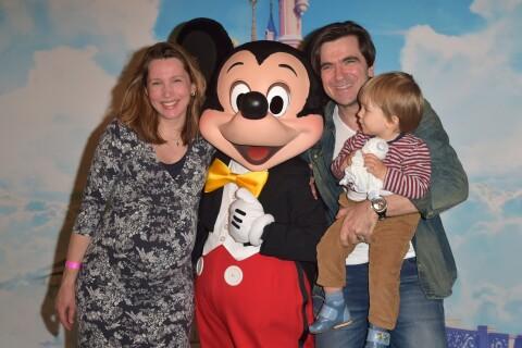 Sébastien Lemoine (Les Stentors), bientôt papa, pose fièrement avec sa famille !