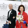 Le roi Carl XVI Gustaf de Suède et la reine Silvia le 16 juin 2016 à la Maison des concerts de Stockholm pour la cérémonie du Polar Music Prize, qui a consacré Cecilia Bartoli (catégorie musicien classique) et Max Martin (catégorie musicien contemporain).