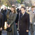 Carla et Nicolas Sarkozy lors des commémorations du 11 novembre au pied de la statue de Georges Clémenceau