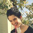 Suzanne Lindon, fille de Sandrine Kiberlain et Vincent Lindon (photo postée le 13 avril 2015).