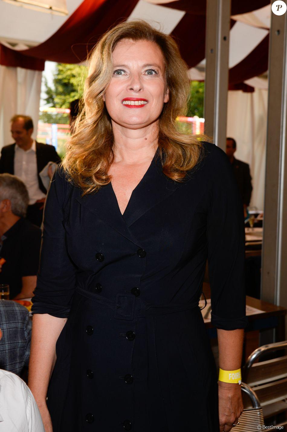Valérie Trierweiler à l'inauguration de la fête des Tuileries organisée par Caroline Barclay le 24 juin 2016. © Coadic Guirec / Bestimage