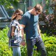 Exclusif - Alexander Skarsgard et Alexa Chung passent une journée romantique dans un jardin botanique à New York, le 30 mai 2015.
