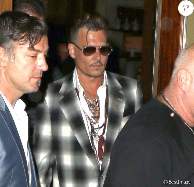"Johnny Depp et ses enfants Lily-Rose et Jack John Christopher, sortent du restaurant ""Ago"" à Los Angeles, le 29 juin 2016. © CPA/Bestimage29/06/2016 - Los Angeles"
