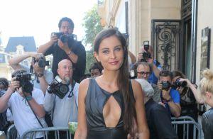 Fashion Week : Malika Ménard furieusement décolletée, devant Marilou Berry