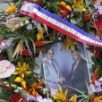 Gerbe de fleurs envoyée par le gouvernement de la Nouvelle-Calédonie lors de la cérémonie en hommage à Michel Rocard au Temple de l'Eglise Protestante Unie de l'Etoile à Paris, le 7 juillet 2016. © Alain Guizard/Bestimage