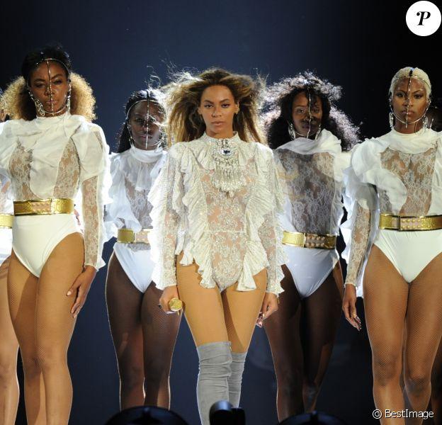 """Premier spectacle de Beyoncé au Marlins Park à Miami, coup d'envoi de sa tournée """"Formation World Tour"""", le 27 avril 2016."""