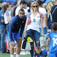 Dimitri Payet avec ses fils Noa et Milan et sa femme Ludivine Payet lors du match des 8ème de finale de l'UEFA Euro 2016 France-Irlande au Stade des Lumières à Lyon, France le 26 juin 2016. © Cyril Moreau/Bestimage  UEFA Euro 2016 round of 16 match between France and the Republic of Ireland at Stade des Lumieres in Lyon, France on June 26, 2016. © Cyril Moreau/Bestimage26/06/2016 -