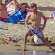 Novak Djokovic se détendait à Marbella le 12 juillet 2016. Des vacances en famille, avec sa femme Jelena et leur petit garçon Stefan (un an et demi), et entre amis.