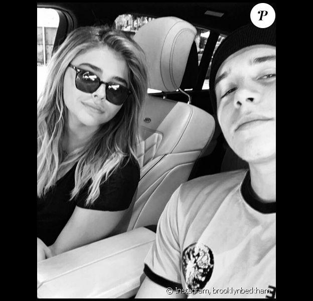 Brooklyn Beckham publie une photo de couple avec Chloë Grace Moretz sur sa page Instagram, le 21 juillet 2016