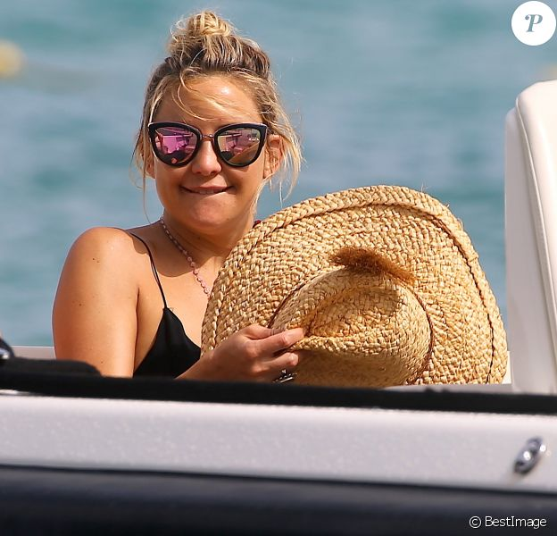 Kate Hudson au Club 55 à Saint-Tropez, le 22 juillet 2016. Kate Hudson at Club 55 in Saint-Tropez, on July 22, 2016.22/07/2016 - Saint-Tropez